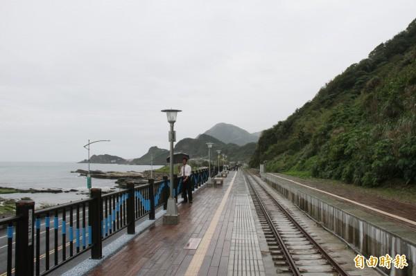 基隆台北第3條快捷公車從美麗的八斗子車站發車。(記者盧賢秀攝)