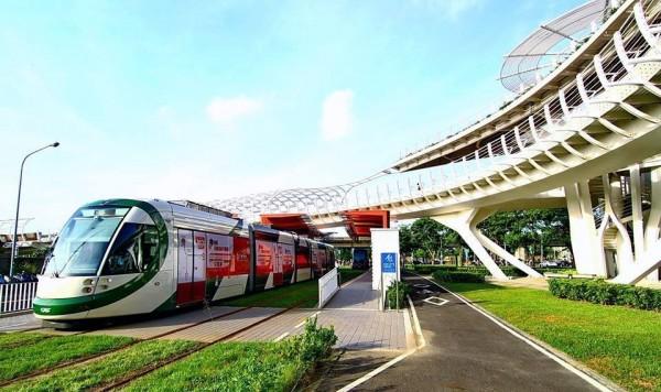 「東港觀光鐵道」輕軌方案都預留與高雄捷運的輕軌的可能性。(記者陳彥廷攝)
