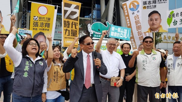 喜樂島聯盟召集人郭倍宏批民進黨若沒站出來,「不能叫做本土政黨」。(記者丁偉杰攝)