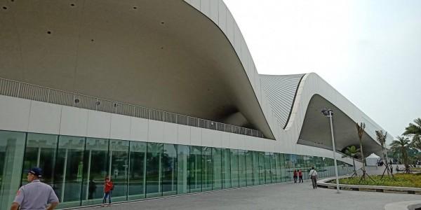 世界最大單一屋頂劇院,衛武營藝術文中心啟用。(記者蔡清華攝)