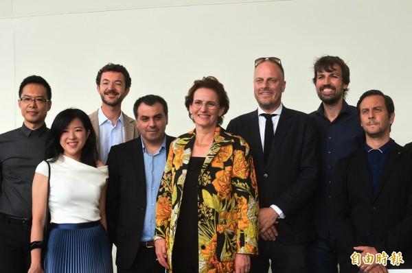荷蘭麥肯諾建築師事務所設計團隊。(記者張忠義攝)