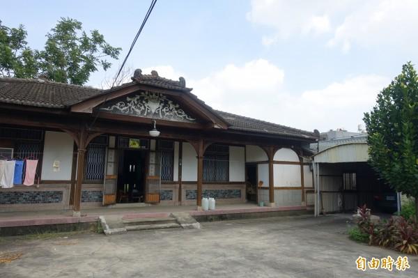 台南新營太子宮80年老屋才被文化局列冊追蹤,就遭無預警拆除。(記者劉婉君攝)