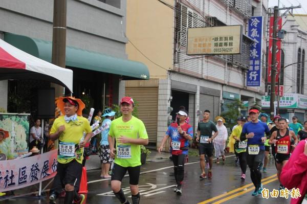 今年彰化縣馬拉松季共有9大賽事,有高知名度的田中馬拉松備受矚目。(資料照片)