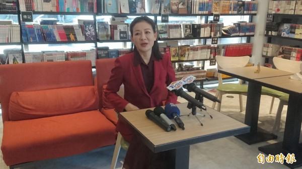 厲馥華今開記者會加碼爆料,指曾遭陳清治性騷擾。(記者黃捷攝)