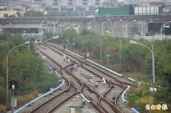 高雄捷運紅線延伸線預計2025年完工,屆時將與台南捷運銜接,圖為目前捷運南岡山站終點站。(記者蘇福男攝)