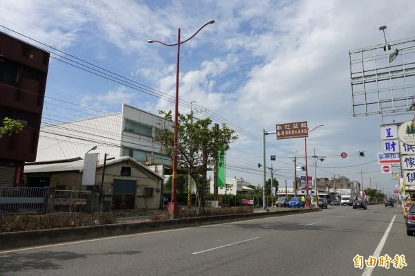 打造鹿港國家風景區,彰化縣政府將在通往鹿港聯外道路與市區道路,建置停車資訊動態導引系統(CMS)建置。(記者劉曉欣攝)