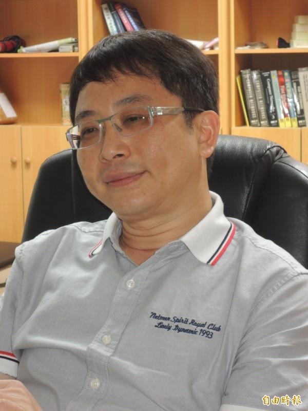 成功大學教授李忠憲PO文談「韓流」。(記者洪瑞琴攝)