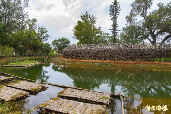 「原生祕境」的阿美族馬太鞍部落傳統魚生態池。(記者黃鐘山攝)