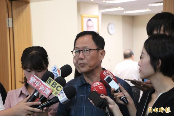丁守中今天受訪表示,沒有聽說韓會缺席,表示黨部都在協調中。對於「韓流」對於北市選情的加分,丁回「都很好」。(記者鍾泓良攝)