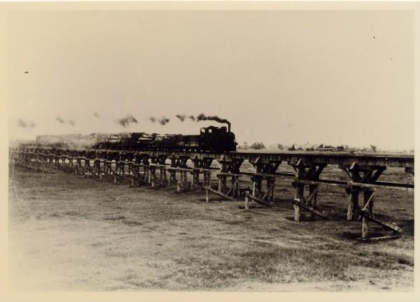 早期由太平山小火車行駛的歪仔歪橋。(圖由羅東林管處提供)