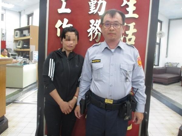 越婦嫁來台19年、丈夫驟逝陷困境、員警伸出援手、感受到台灣人情溫暖。(記者楊政郡翻攝)