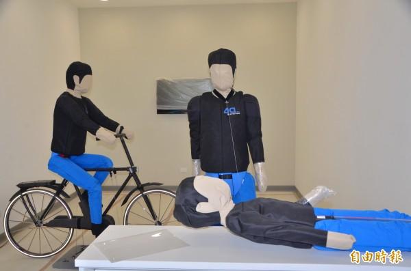 測試場域內也準備了假人道具。(記者吳俊鋒攝)