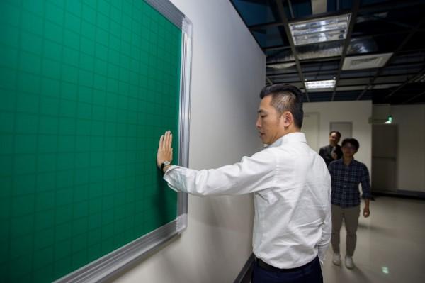 新竹市竹光國民運動中心年底即將完工及試營運,市長林智堅前往視察,要求工程如期如質完成。(市府提供)