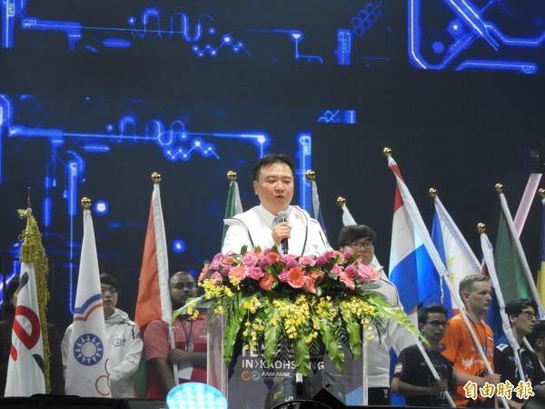 高雄市代理市長許立明宣布,第10屆 IESF 世界電競錦標賽正式展開。(記者葛祐豪攝)