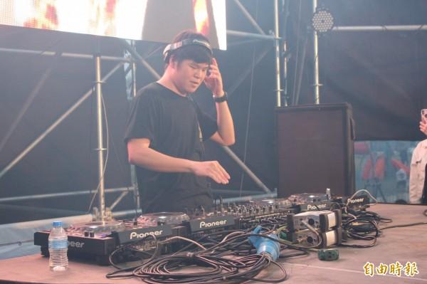DJ開唱。(記者張聰秋攝)