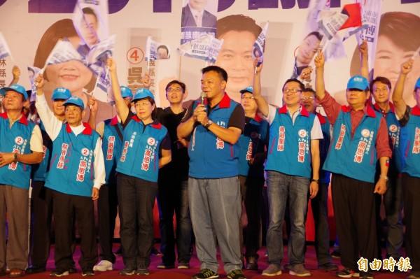 國民黨台南市長候選人高思博表示,若當選後,要與嘉縣、嘉市、嘉縣、雲縣展開合作,共創「南台灣發財圈」。(記者曾迺強攝)