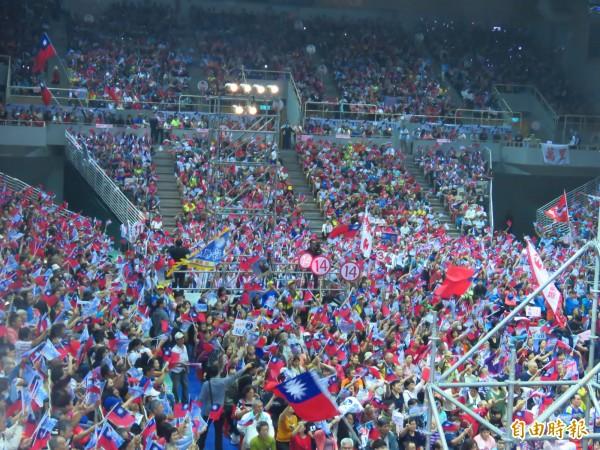國民黨新北市長候選人侯友宜的「溪北大造勢」今晚在新莊體育館舉行。(記者陳心瑜攝)