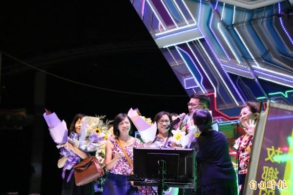 蘇煥智以演唱會的方式舉辦造勢大會,由歌手輪番開唱,有別一般造勢活動。(記者萬于甄攝)