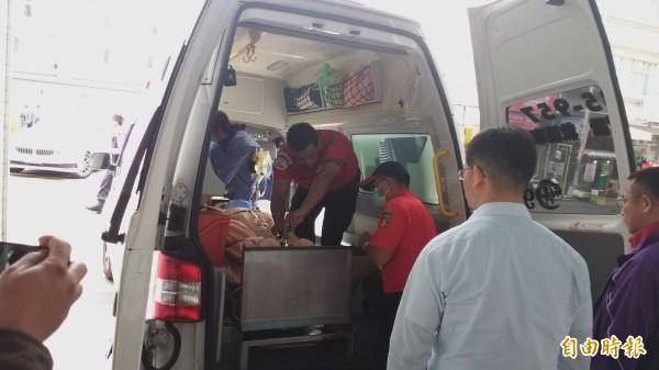 王黃警員在東元醫院緊急手術後,中午轉林口長庚。(記者廖雪茹攝)