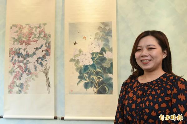 七年級的年輕畫家陳仁倩,專攻傳統工筆花鳥畫,其作品在2015年被推上蘇富比拍賣市場,竟開出16萬港幣成交價的好成績,在同儕中創下難得的紀錄。 (記者張忠義攝)