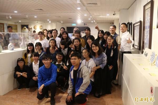 大甲高中師生舉行陶藝聯展。(記者張軒哲攝)