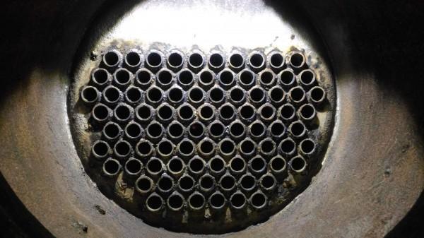 25號蒸汽火車頭煙管更換後,相當乾淨。(阿里山林鐵處提供)