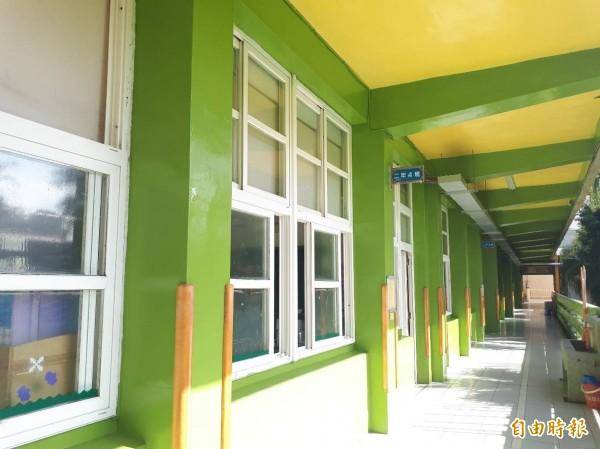 新竹市北門國小明年就120週年,學校有多棟老舊建築,經市府耐震補強後,化身為繽紛的學習遊樂地,讓學生都感覺學校變得有活力。(記者洪美秀攝)