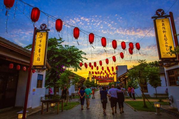 鹿港古都之美攝影比賽銅牌獎,趙令級所拍的鹿港藝術村。(鹿港鎮公所提供)