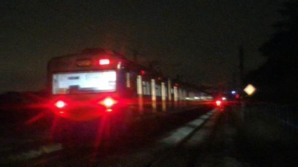 發生事故的台鐵區間車。(台鐵提供)