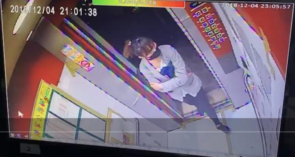 警方說,李女儘管戴上口罩,但是仍一眼就被楊男認出。(圖由警方提供)