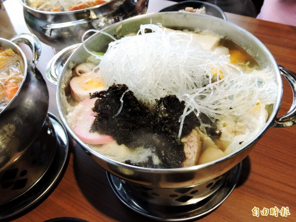 海藻素食鍋中適用的海藻是業者自行到韓國採買。(記者張菁雅攝)
