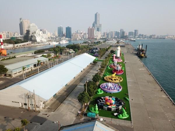 全球最大「Art-Zoo藝術動物園」氣墊樂園將於高雄港7號碼頭登場。(記者洪臣宏翻攝)