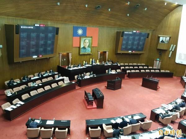 立法院院會今三讀通過「大法官審理案件法修正草案」,未來該法將定名為「憲法訴訟法」。(記者謝君臨攝)