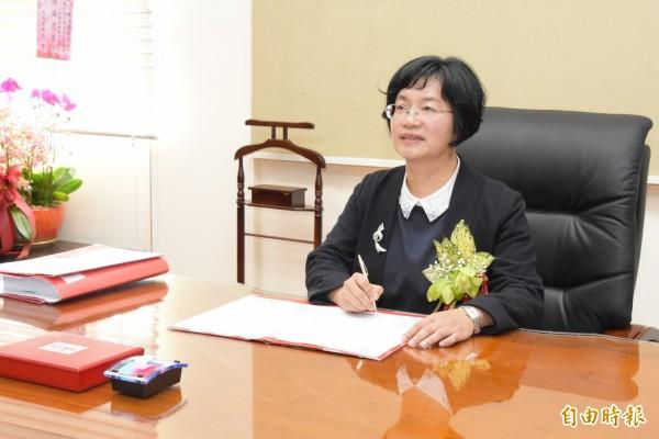 王惠美上任後第1份簽署的公文,發布副縣長和部分局處長的人事命令。(記者張聰秋攝)