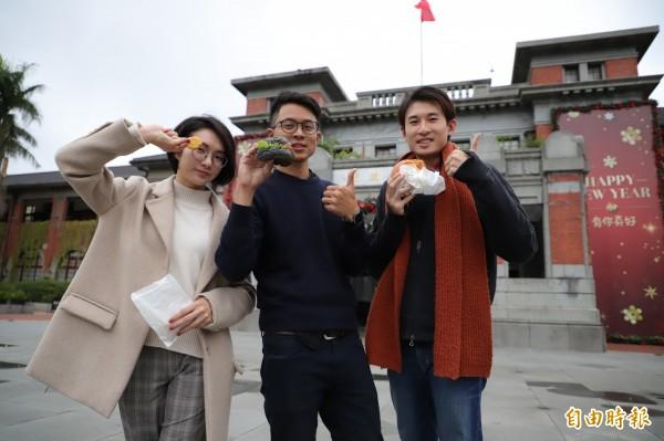 新竹市府將於2019年1月1日上午7點半在市府前廣場舉辦升旗典禮,將有幻象戰機氣勢衝場外、17間由在地美食商家進駐的元氣早餐市集。(記者王駿杰攝)