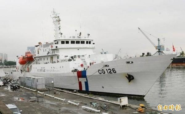 海巡署因應中國漁船常態性越界,派出台南艦進駐馬公商港碼頭。(澎湖海巡隊提供)