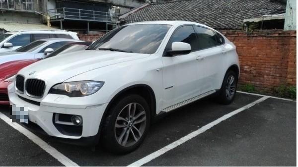 行政執署新北分署與新北地檢署將於下周二(8日)舉辦「一二三聯合拍賣日」,拍賣R而2014年4月出廠的BMWX6。(擷取自新北地檢署官網)