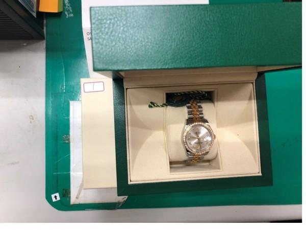 行政執行署新北分署與新北地檢署舉辦聯合拍賣,拍賣扣押的ROLEX名錶。(擷取自新北地檢署官網)
