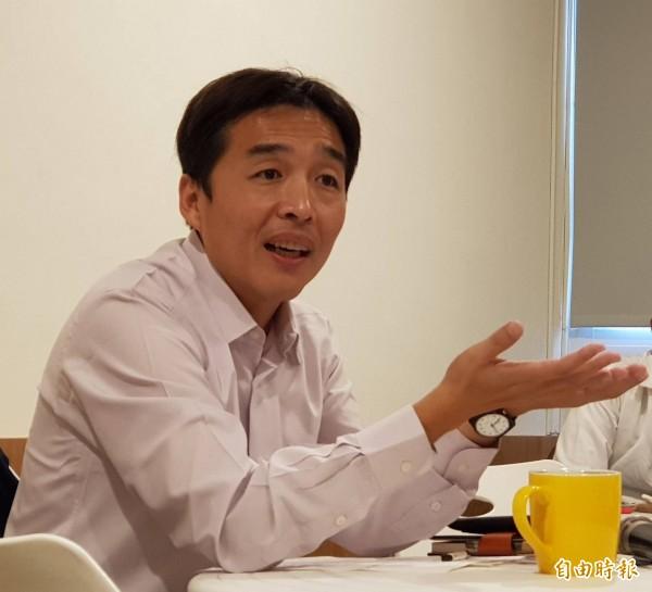 民政局長曹桓榮今表示,高雄近期將推豬哥亮日。(記者陳文嬋攝)