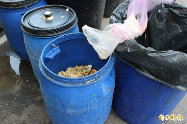彰化縣沒有廚餘堆肥場,顧慮廚餘去化的大問題,無法馬上禁止廚餘養豬,只能漸進式減少廚餘餵食量。(記者張聰秋攝)