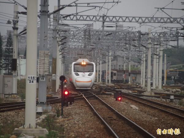 台東民眾原本期待實名制列車是太魯閣或普悠瑪號,有助減少行車時間,今年卻是莒光號、復興號。(記者王秀亭攝)
