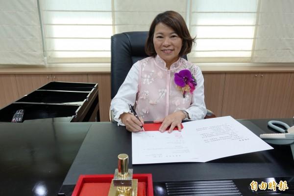 嘉義市長黃敏惠在市務會議上重申,約聘僱、臨時人員全部留任,人事安定就能讓大家安心繼續為嘉市拚未來。(資料照)