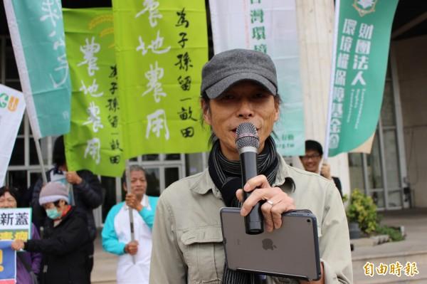鹿港人的台灣農村陣線成員許文烽。(記者張聰秋攝)