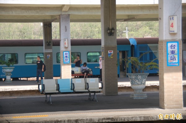 台鐵局將再針對台東春節疏運加開4列次實名制列車,北東行車時間在4.5小時內。(記者黃明堂攝)