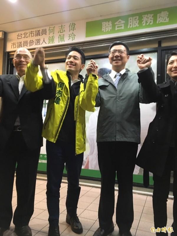 新任民進黨主席卓榮泰今天正式就任,首站行程為北市立委參選人何志偉站台。(記者蕭婷方攝)