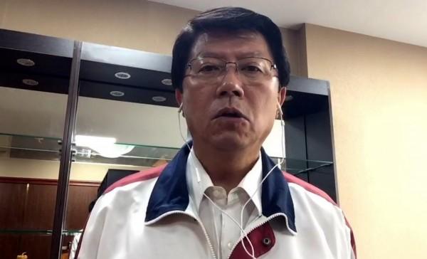 謝龍介表示,他身為國民黨部主委,是避無可避,會一肩挑起。(記者蔡文居翻攝)