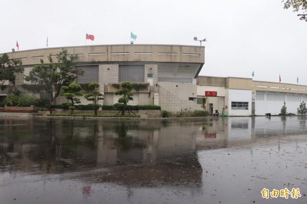宜蘭縣政府向體育署爭取18億元前瞻計畫經費,盼為宜蘭運動公園體育場加蓋,打造成「小巨蛋」,卻遭體育署打槍。(記者林敬倫攝)