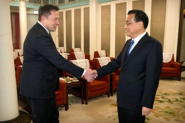 拉攏特斯拉執行長  李克強:可發中國綠卡給你