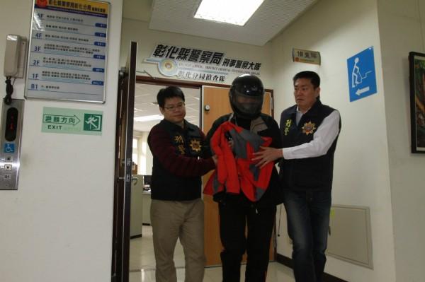 男子訊後被警方依公共危險罪嫌移送法辦。(記者張聰秋攝)