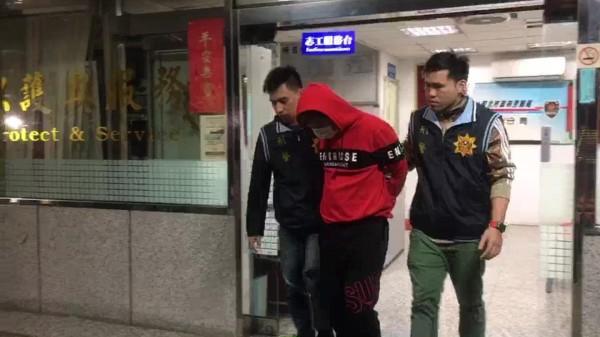 警方將陳姓通緝犯先移送法辦,並持續緝捕吳男到案。(記者王宣晴翻攝)